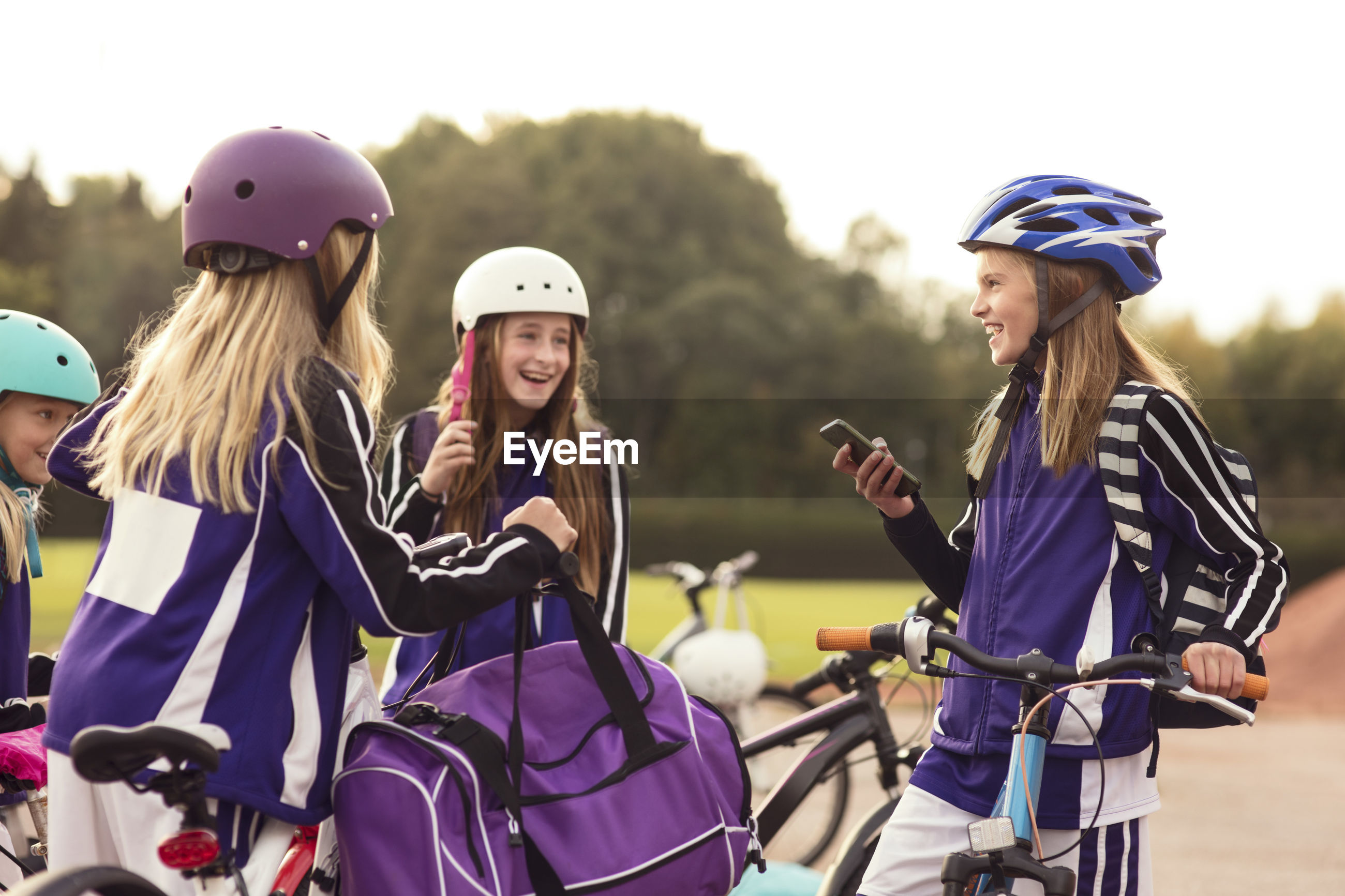GROUP OF PEOPLE IN BICYCLE