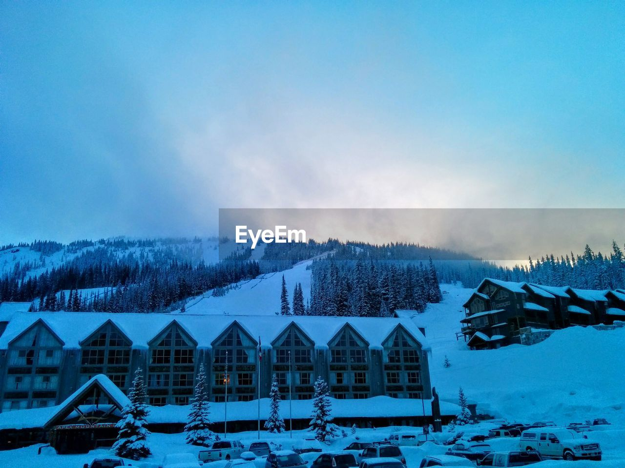 snow, winter, cold temperature, house, scenics, weather, nature, beauty in nature, tranquility, tranquil scene, outdoors, sky, frozen, mountain, building exterior, built structure, no people, landscape, day, tree, architecture