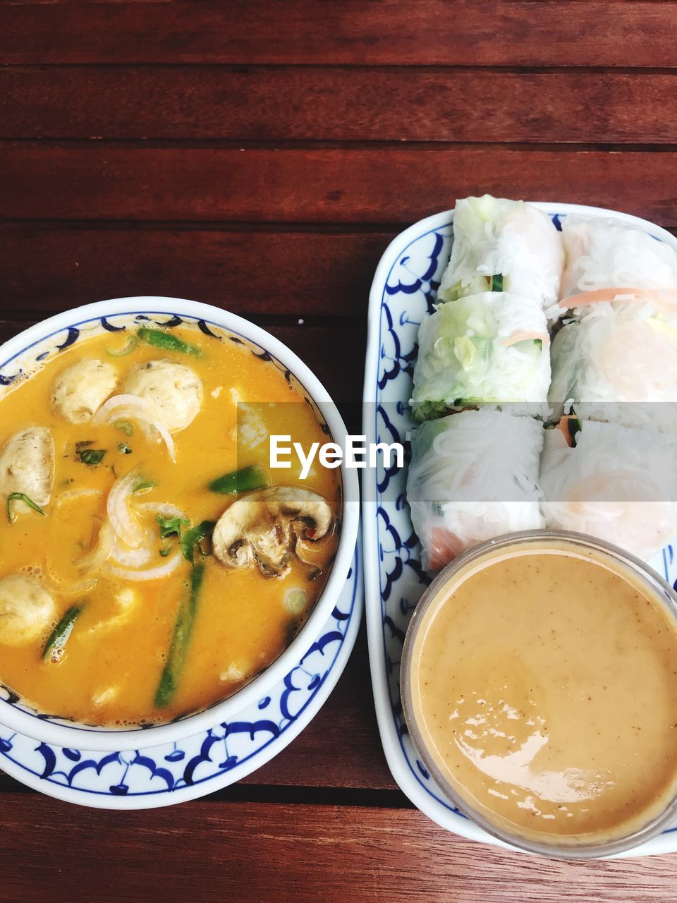food and drink, food, freshness, healthy eating, table, wellbeing, ready-to-eat, indoors, still life, bowl, high angle view, soup, close-up, no people, directly above, wood - material, serving size, asian food, vegetable, japanese food, dinner, crockery, temptation