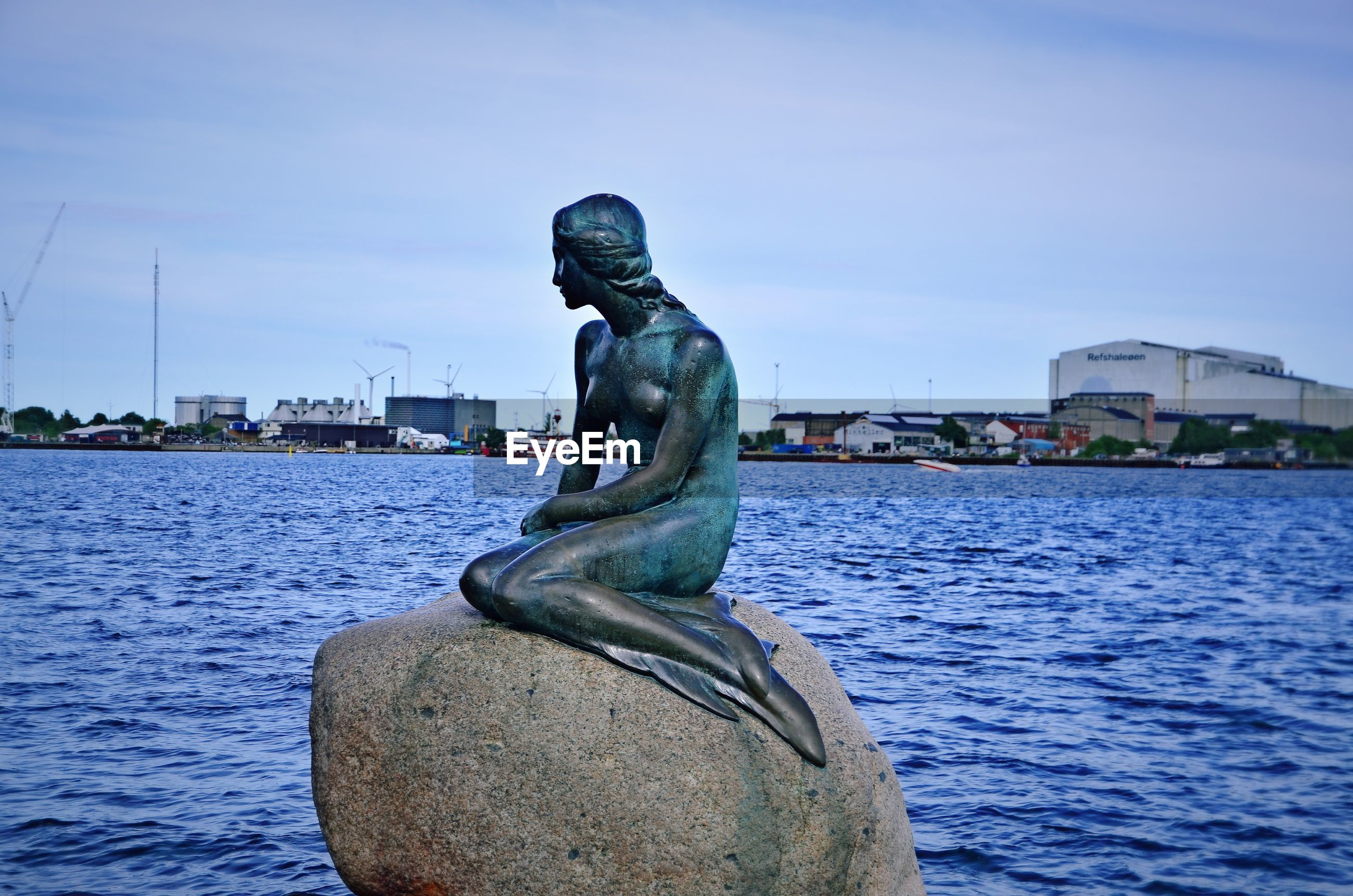 sculpture, statue, art and craft, human representation, water, sky, built structure, architecture, no people, outdoors, building exterior, day, city, close-up