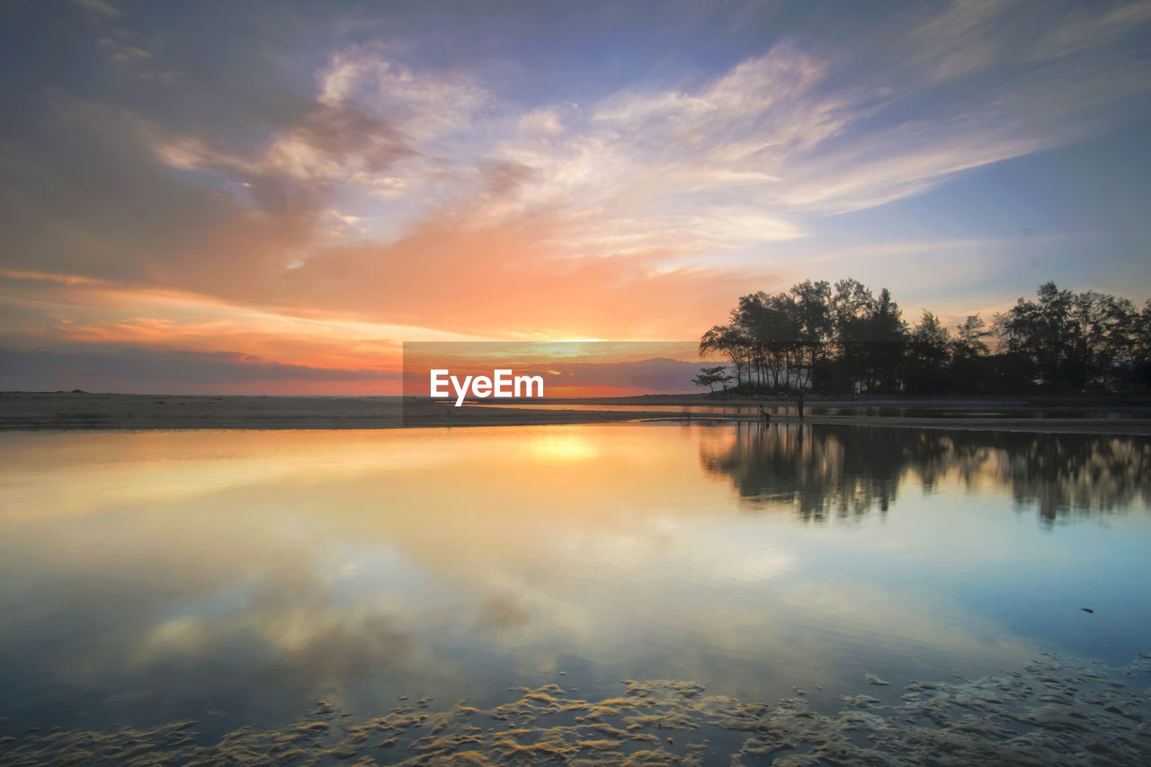 sunset, sky, water, reflection, tranquil scene, scenics, beauty in nature, tranquility, nature, cloud - sky, lake, no people, outdoors, tree