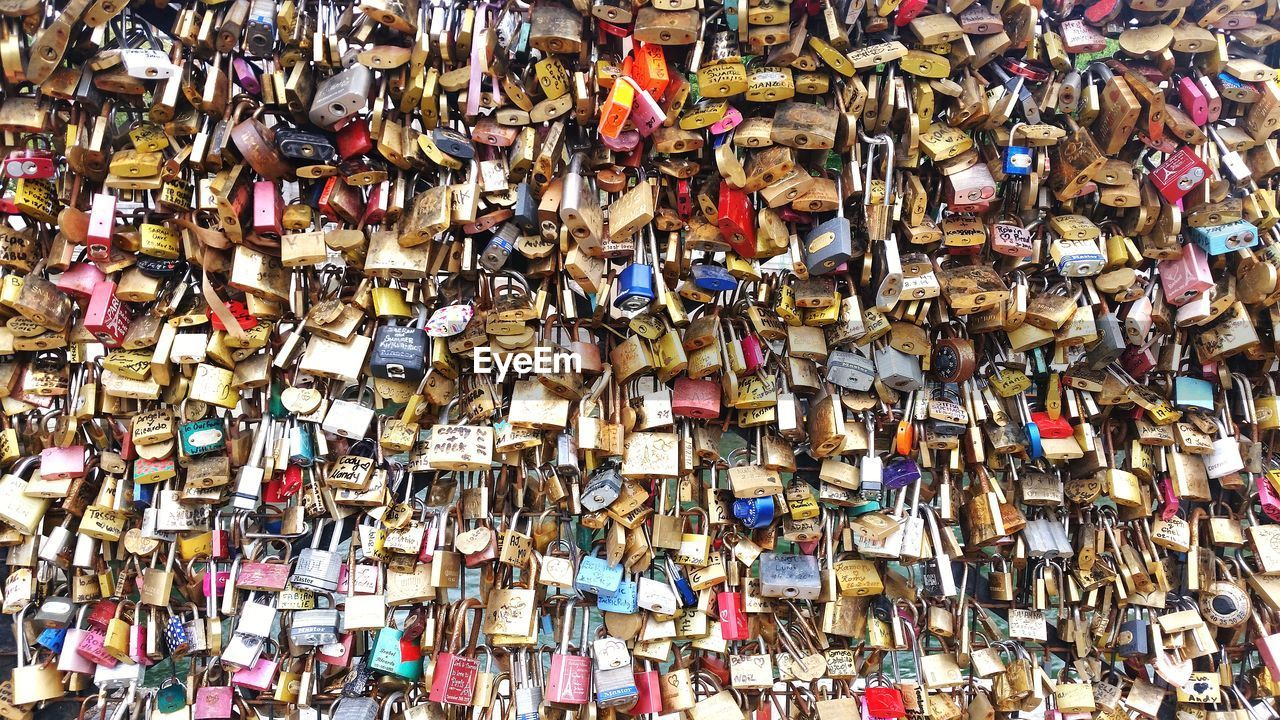 abundance, large group of objects, love, love lock, padlock, variation, full frame, lock, hope, railing, backgrounds, hanging, multi colored, no people, outdoors, day, bubble gum, close-up