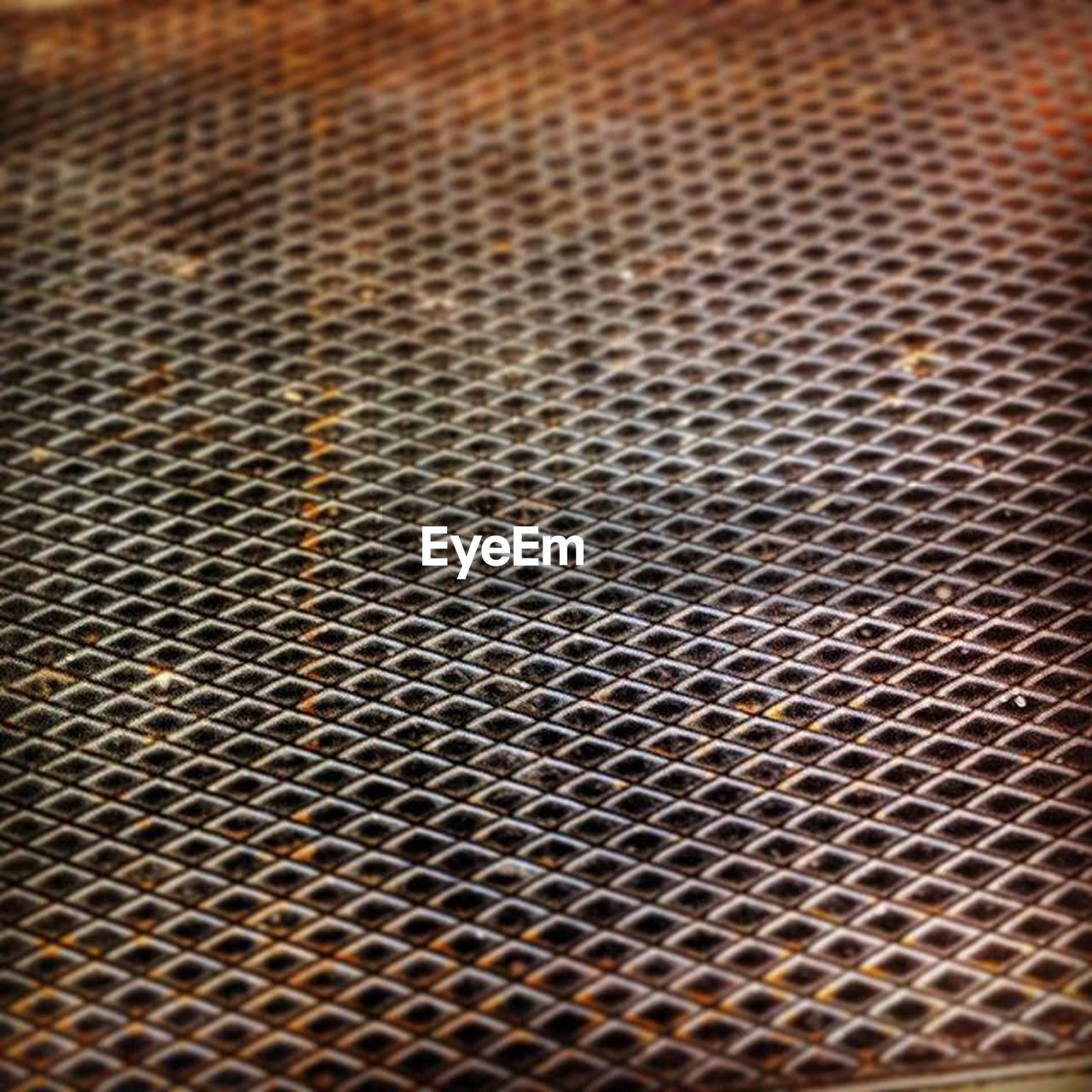 metal, pattern, backgrounds, full frame, no people, metal grate, textured, close-up, day, indoors, technology