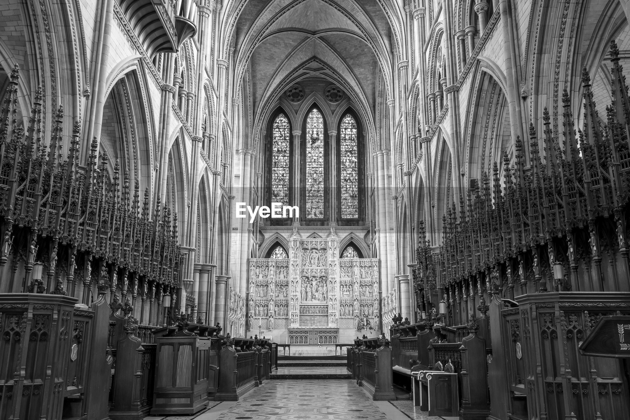 Black and white photo of the inside of truro cathedral in cornwall