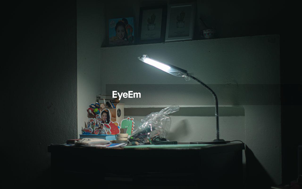 ILLUMINATED ELECTRIC LAMP AT HOME