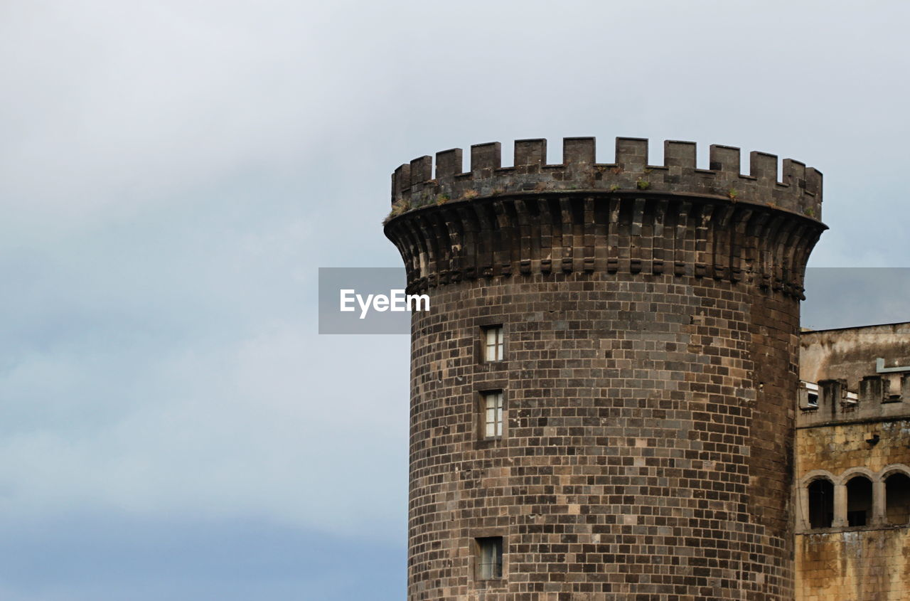 architecture, built structure, building exterior, tower, low angle view, history, sky, no people, day, lookout tower, outdoors