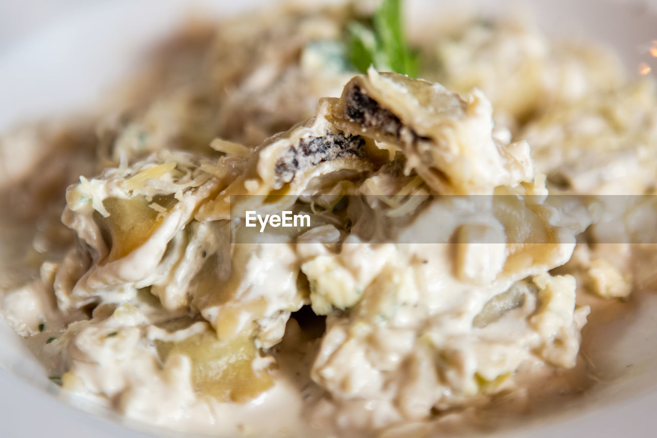 food, food and drink, close-up, freshness, ready-to-eat, plate, selective focus, still life, indoors, serving size, healthy eating, wellbeing, indulgence, dairy product, no people, vegetable, temptation, meal, cheese, stuffed, snack, garnish, dinner