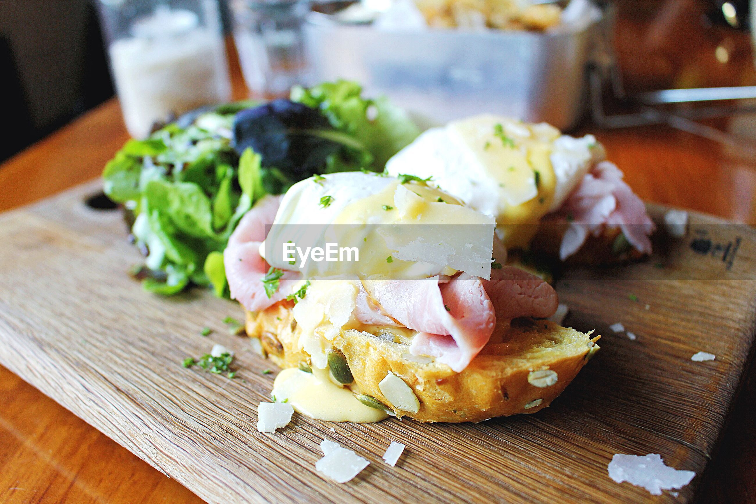 food and drink, food, freshness, indoors, ready-to-eat, table, still life, plate, close-up, indulgence, serving size, meal, healthy eating, meat, vegetable, slice, sandwich, bread, focus on foreground