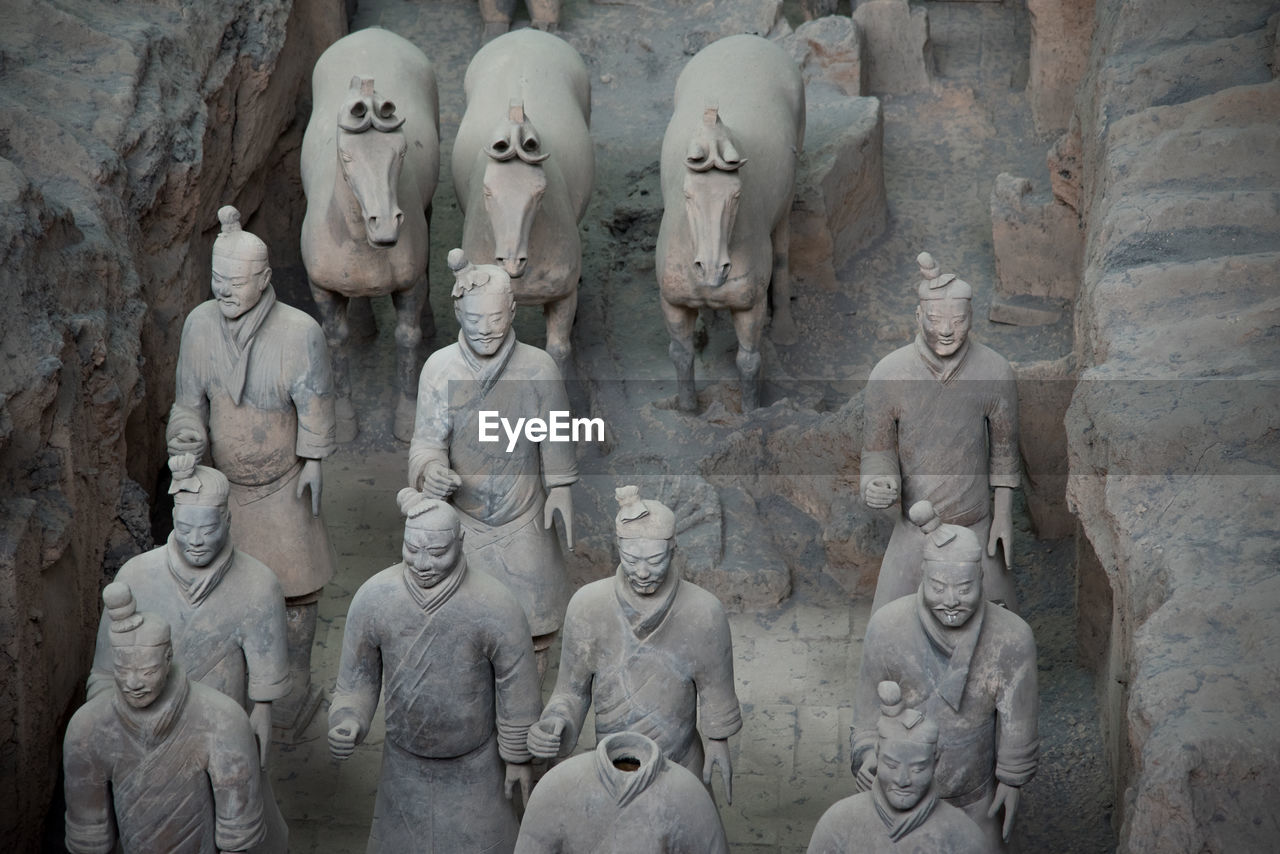 sculpture, human representation, male likeness, statue, representation, art and craft, history, creativity, the past, craft, architecture, no people, religion, spirituality, belief, ancient, female likeness, solid, day, built structure, ancient civilization