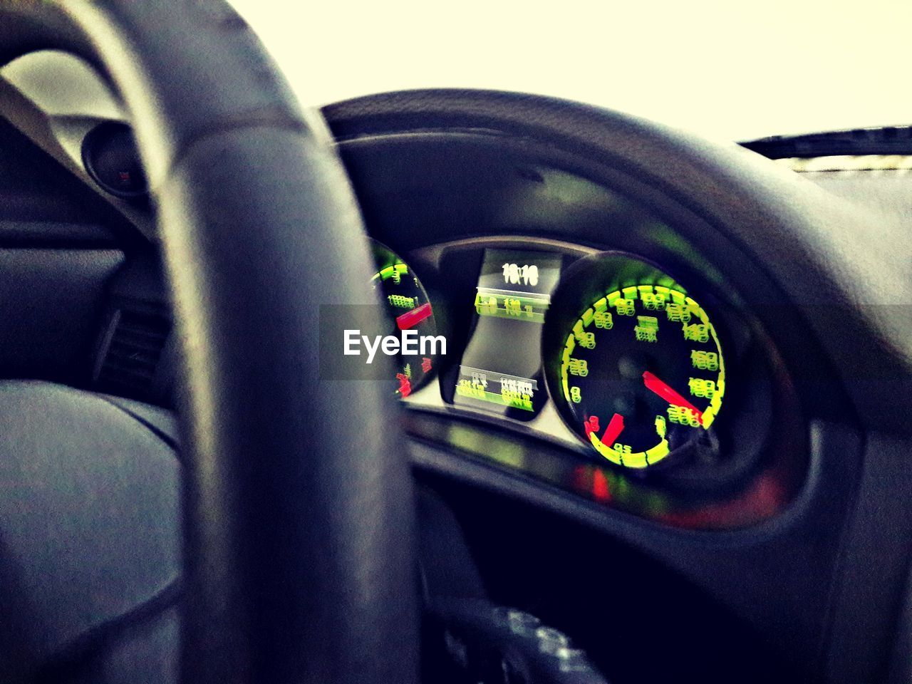 car, vehicle interior, car interior, transportation, land vehicle, dashboard, mode of transport, steering wheel, speed, number, speedometer, vehicle seat, driving, no people, close-up, vehicle part, technology, gauge, indoors, day