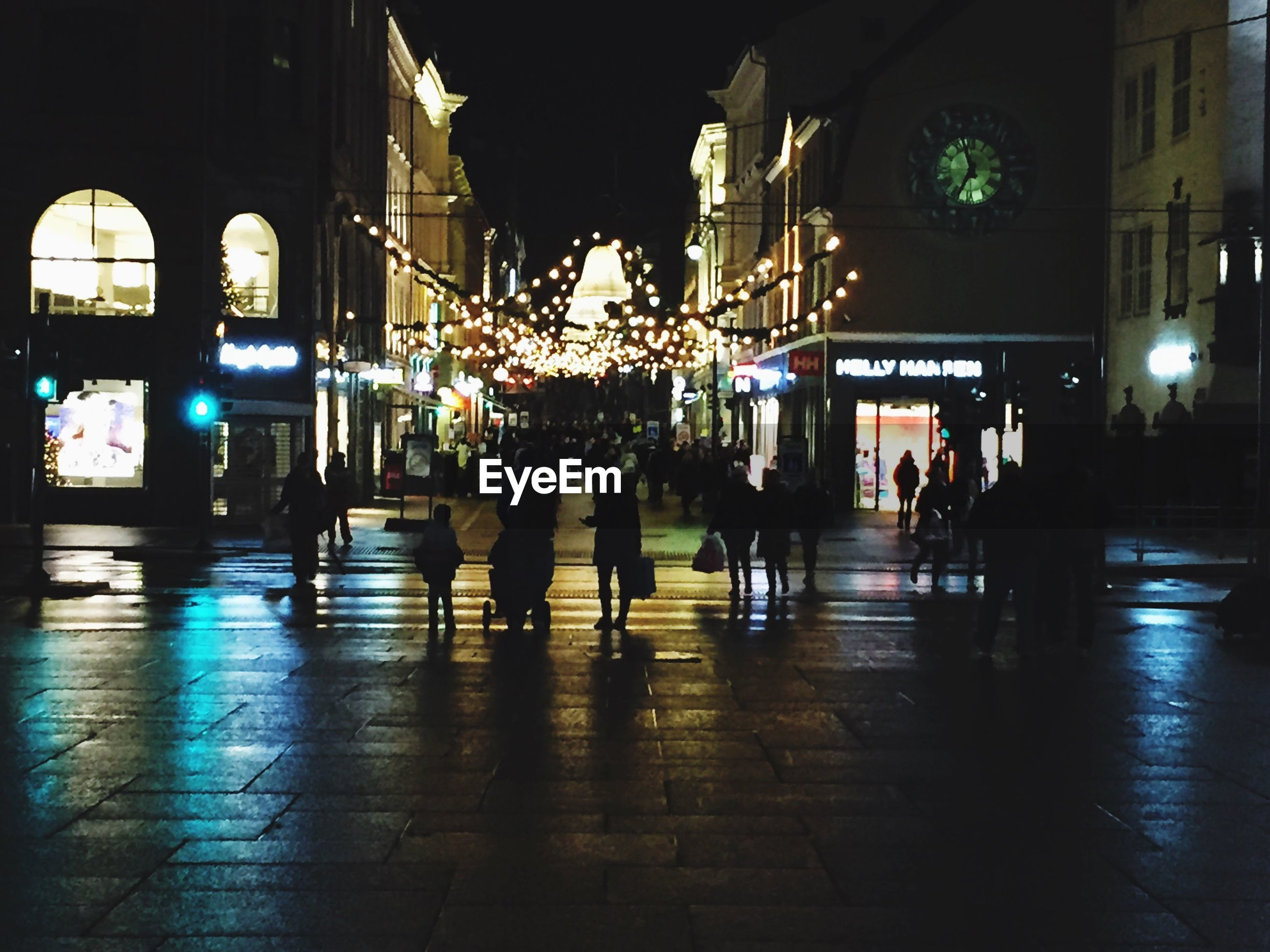 illuminated, night, real people, large group of people, christmas lights, men, city, architecture, adults only, people, outdoors, only men, adult