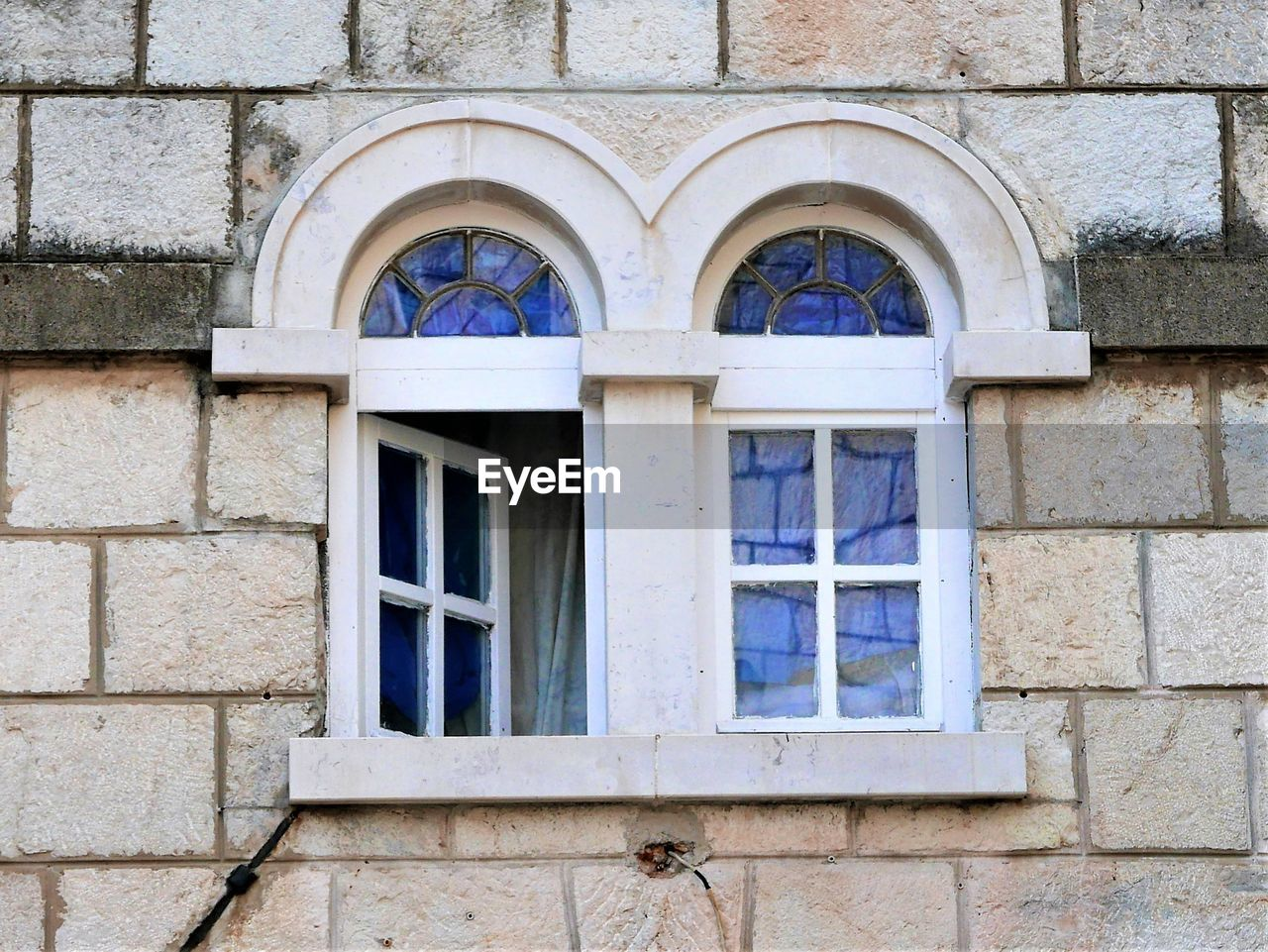window, architecture, building exterior, built structure, day, no people, outdoors, close-up