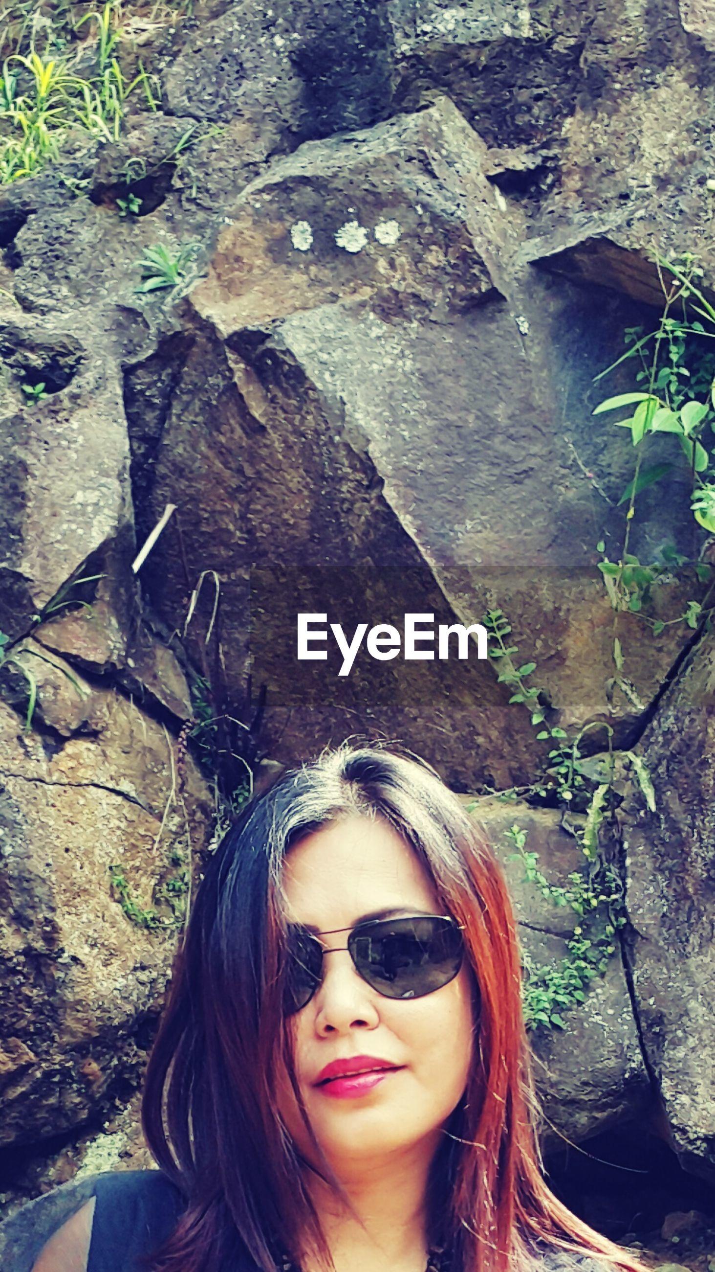 Portrait of woman in sunglasses