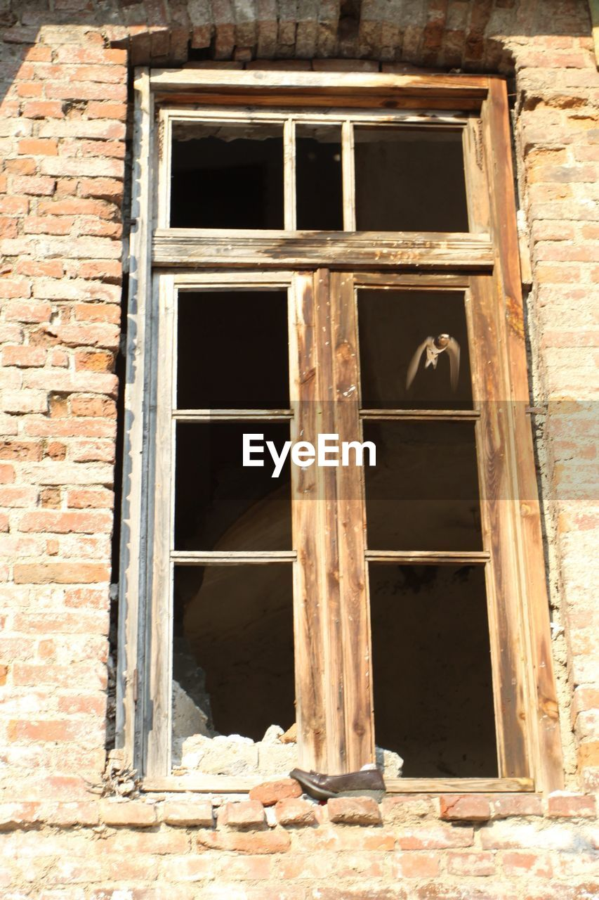 window, architecture, no people, building exterior, day, built structure, abandoned, outdoors