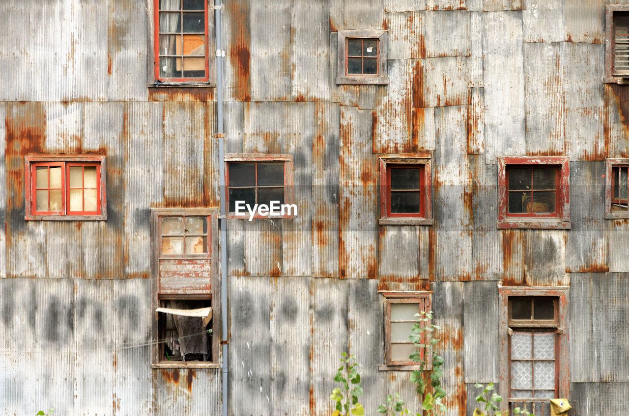 Full frame shot of damaged building