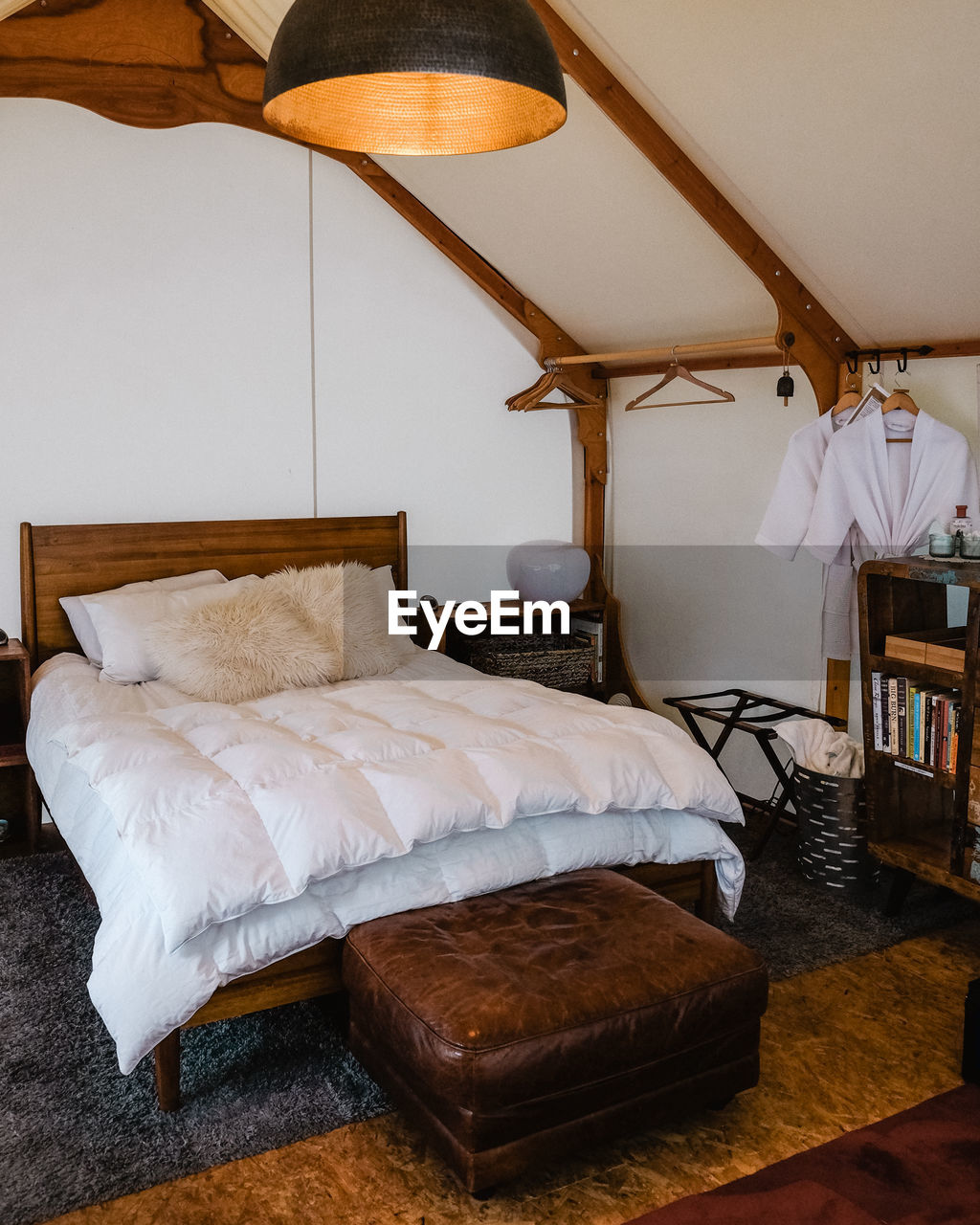 ELECTRIC LAMP ON BED