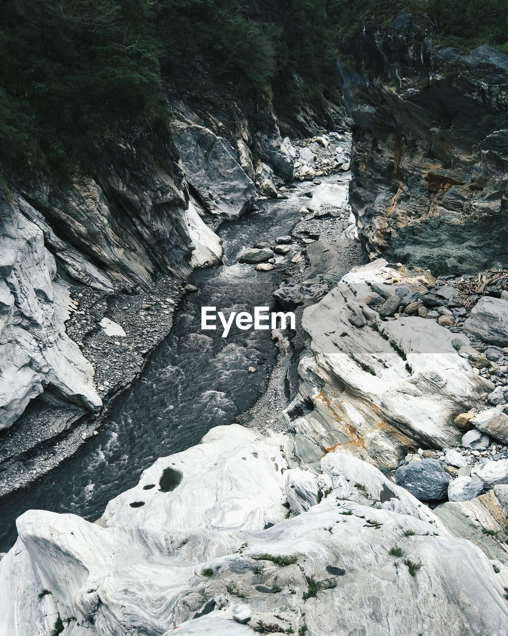 rock, nature, day, rock - object, solid, beauty in nature, no people, land, outdoors, rock formation, environment, non-urban scene, tree, tranquility, textured, forest, geology, plant, scenics - nature, high angle view, flowing water, flowing, eroded, formation