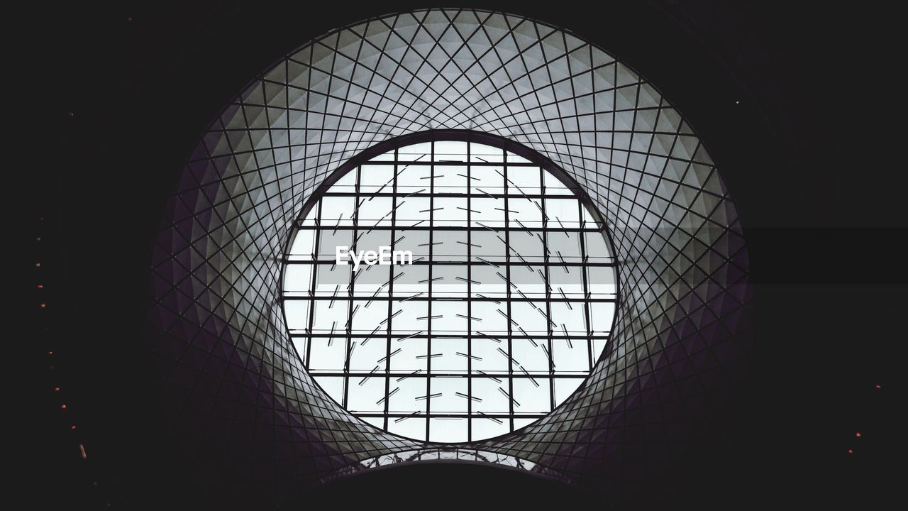 window, indoors, architecture, built structure, low angle view, no people, day, modern, close-up
