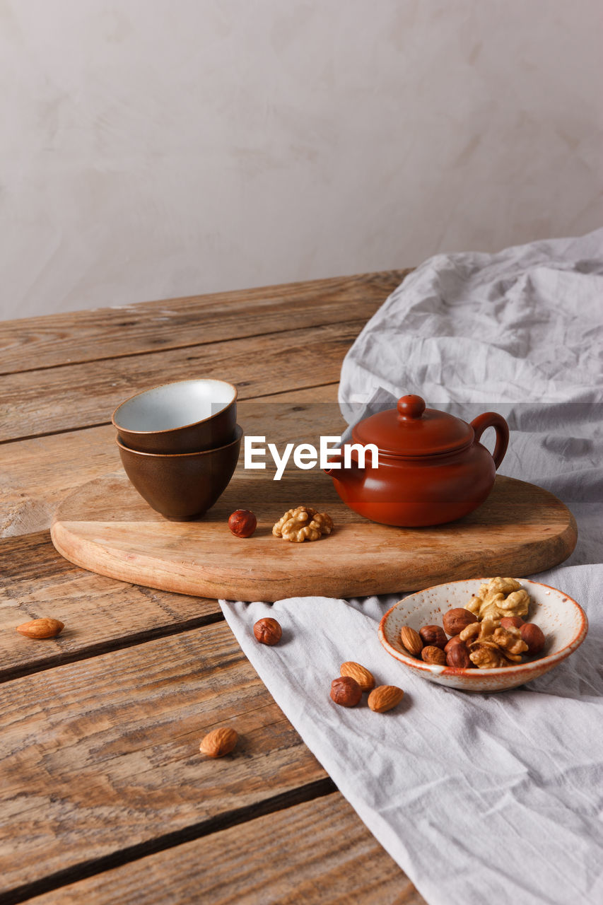 HIGH ANGLE VIEW OF BREAKFAST ON TABLE AND SPOON