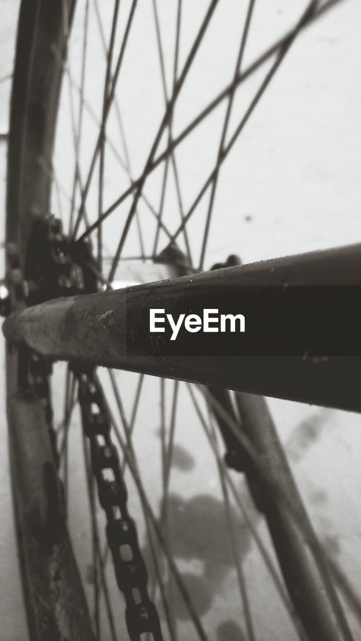 bicycle, metal, outdoors, day, spoke, no people, rusty, close-up, wheel, sky