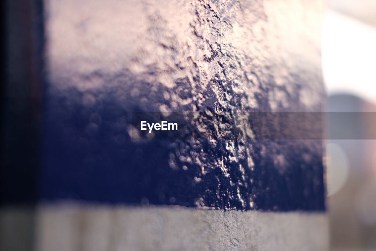 selective focus, no people, close-up, textured, nature, indoors, day, water, sky