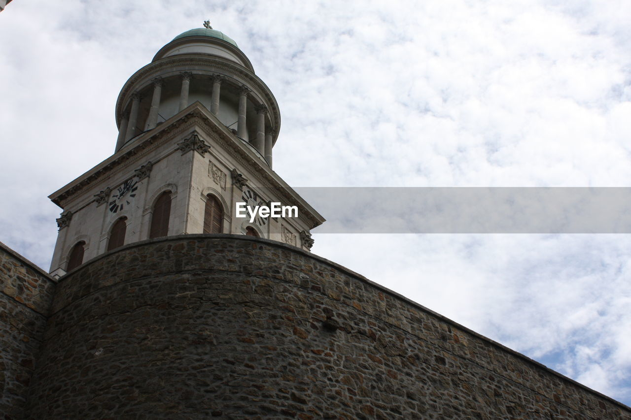 architecture, low angle view, cloud - sky, sky, building exterior, built structure, tower, day, history, no people, outdoors, clock tower, bell tower, nature