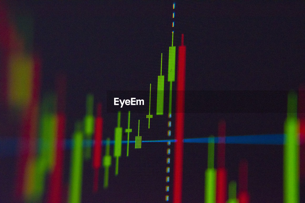 diagram, close-up, graph, business, indoors, technology, no people, selective focus, green color, data, growth, number, multi colored, red, nature, finance, chart, focus on foreground, computer monitor, in a row, pulse trace