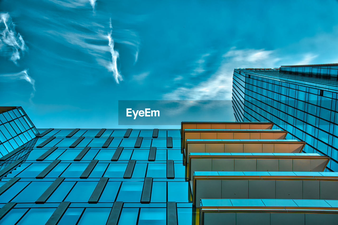 Futuristic, luxury apartments and offices within the new milanese pole of innovation and business
