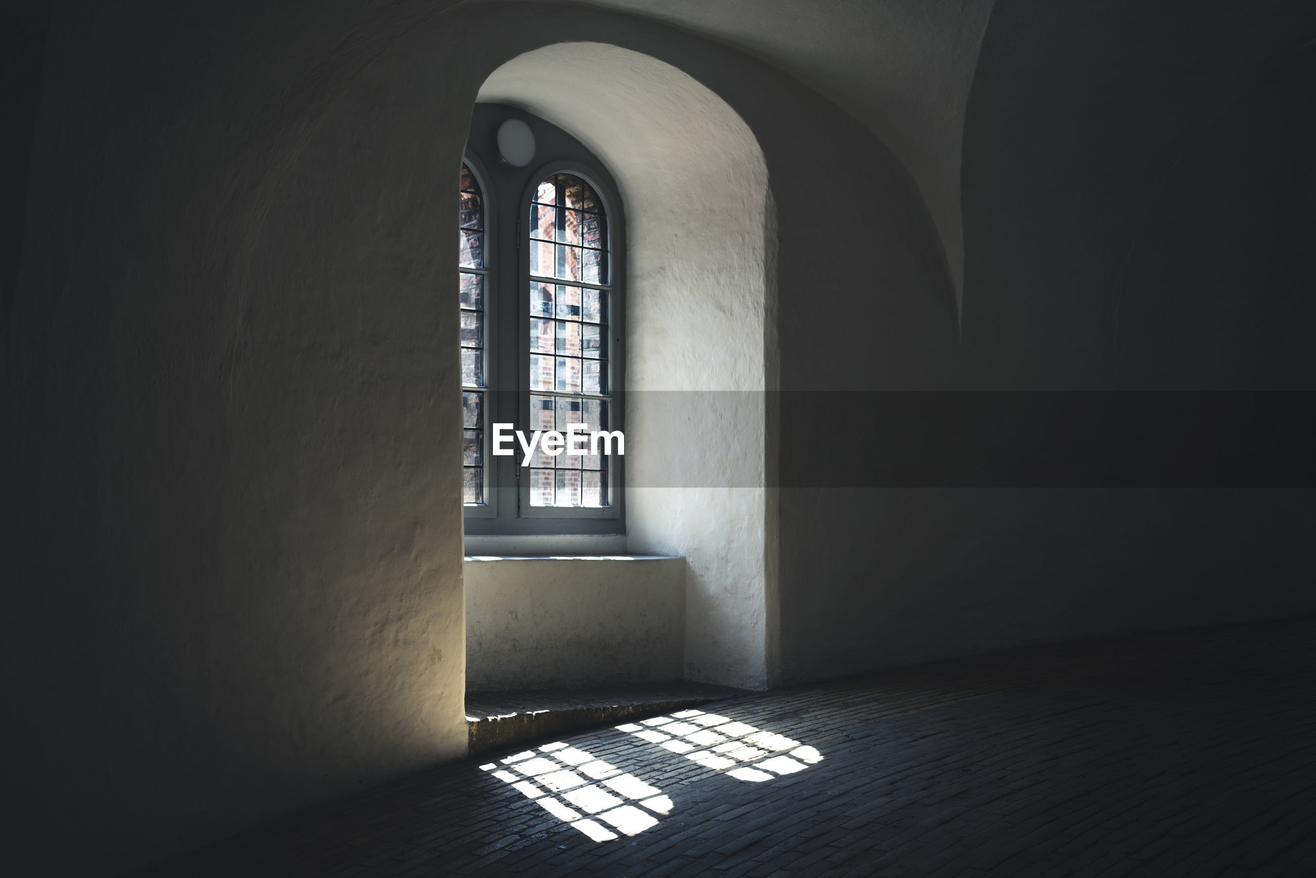 arch, architecture, indoors, built structure, window, building, day, no people, flooring, sunlight, empty, history, the past, absence, wall - building feature, place of worship, belief, religion, dark, arched
