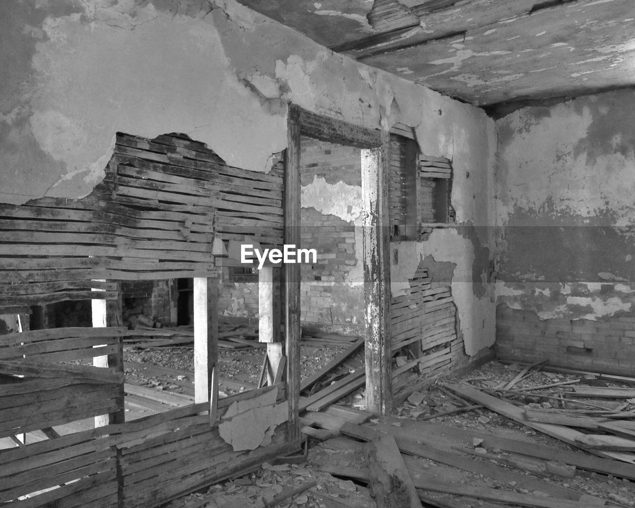 abandoned, architecture, wood - material, built structure, damaged, obsolete, no people, home interior, destruction, indoors, day, rotting, building exterior