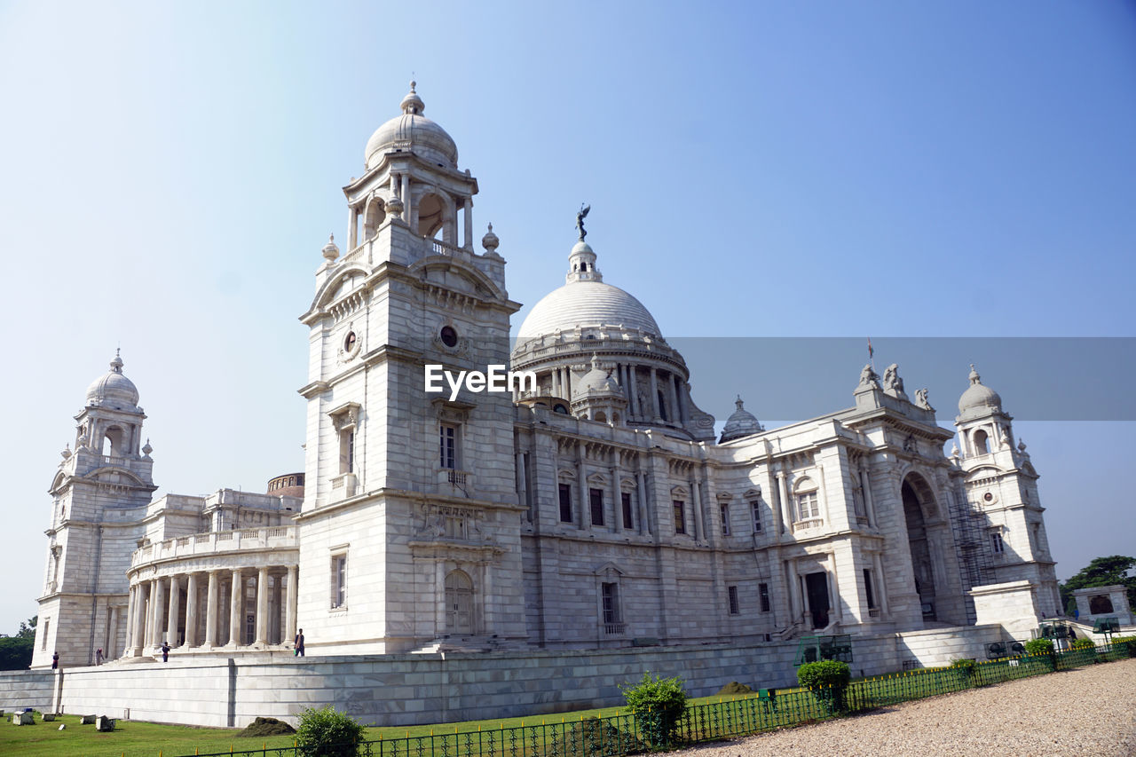 building exterior, architecture, built structure, dome, sky, travel destinations, religion, nature, low angle view, belief, history, place of worship, clear sky, building, travel, the past, no people, spirituality, day, outdoors, architectural column, government