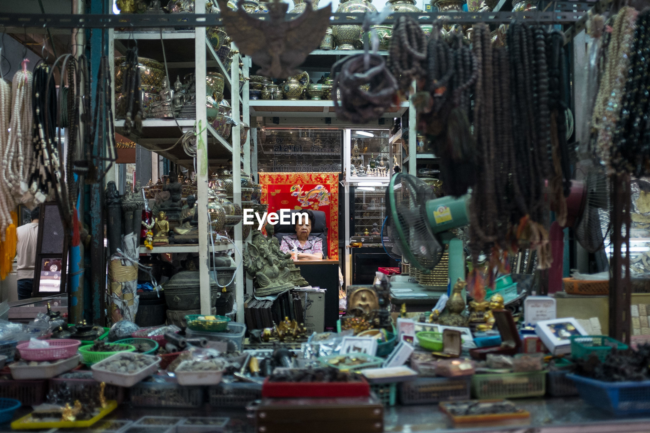 variation, choice, large group of objects, for sale, retail, abundance, collection, day, arrangement, freshness, souvenir, variety