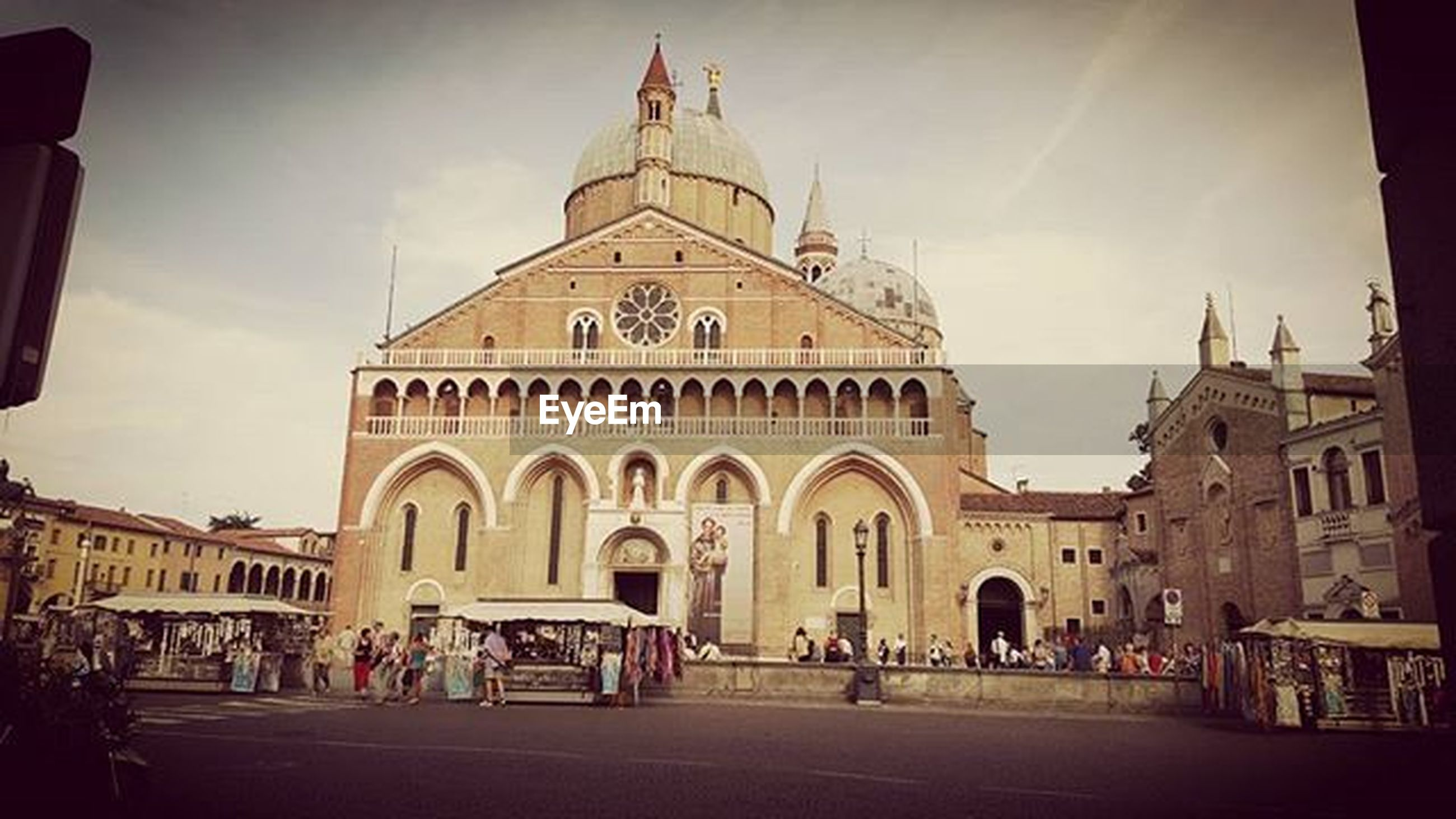 architecture, building exterior, place of worship, religion, built structure, spirituality, church, cathedral, famous place, facade, travel destinations, sky, tourism, travel, dome, large group of people, history