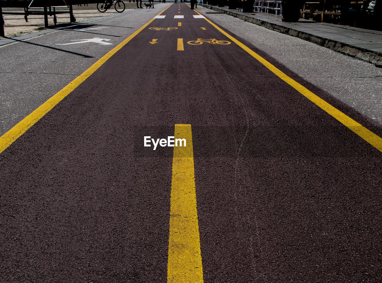 yellow, the way forward, guidance, no people, asphalt, day, outdoors, road