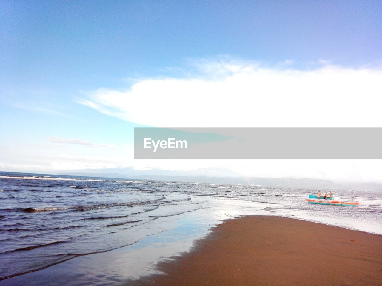 sea, beach, water, sky, sand, scenics, beauty in nature, nature, horizon over water, tranquil scene, tranquility, outdoors, cloud - sky, day, no people, vacations, travel destinations, wave