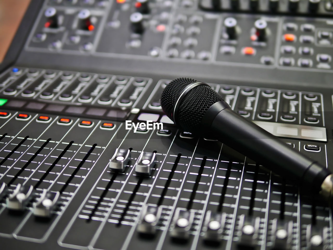 technology, sound recording equipment, audio equipment, music, control, sound mixer, close-up, studio, recording studio, arts culture and entertainment, equipment, no people, input device, selective focus, amplifier, communication, musical equipment, musical instrument, indoors, mixing, audio electronics, connection block, radio station, electrical equipment