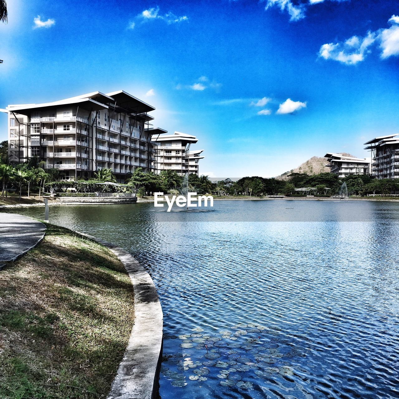architecture, built structure, building exterior, water, sky, day, no people, outdoors, nature, tree, sea, city
