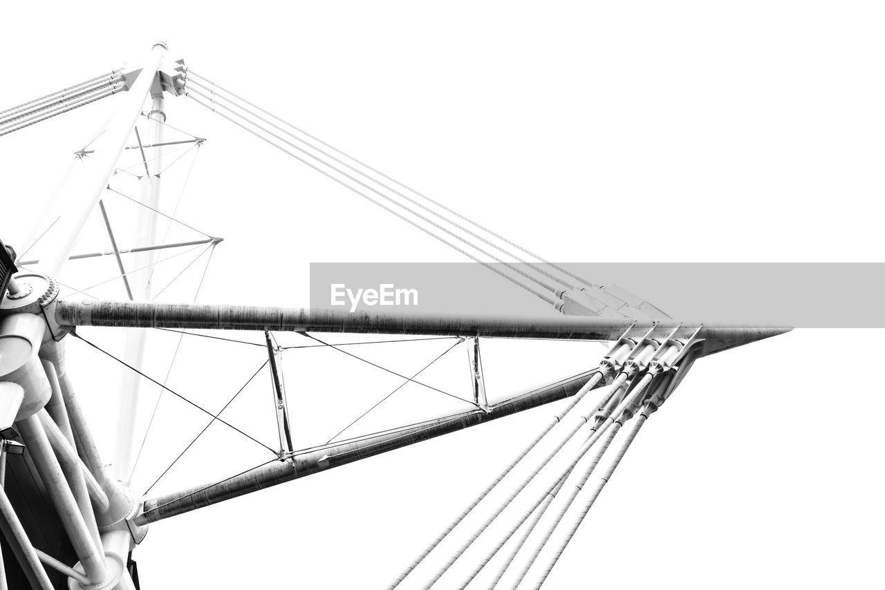 sky, low angle view, clear sky, no people, nature, transportation, pole, nautical vessel, day, architecture, mast, sailboat, copy space, outdoors, built structure, mode of transportation, ship, metal, rope, travel, rigging