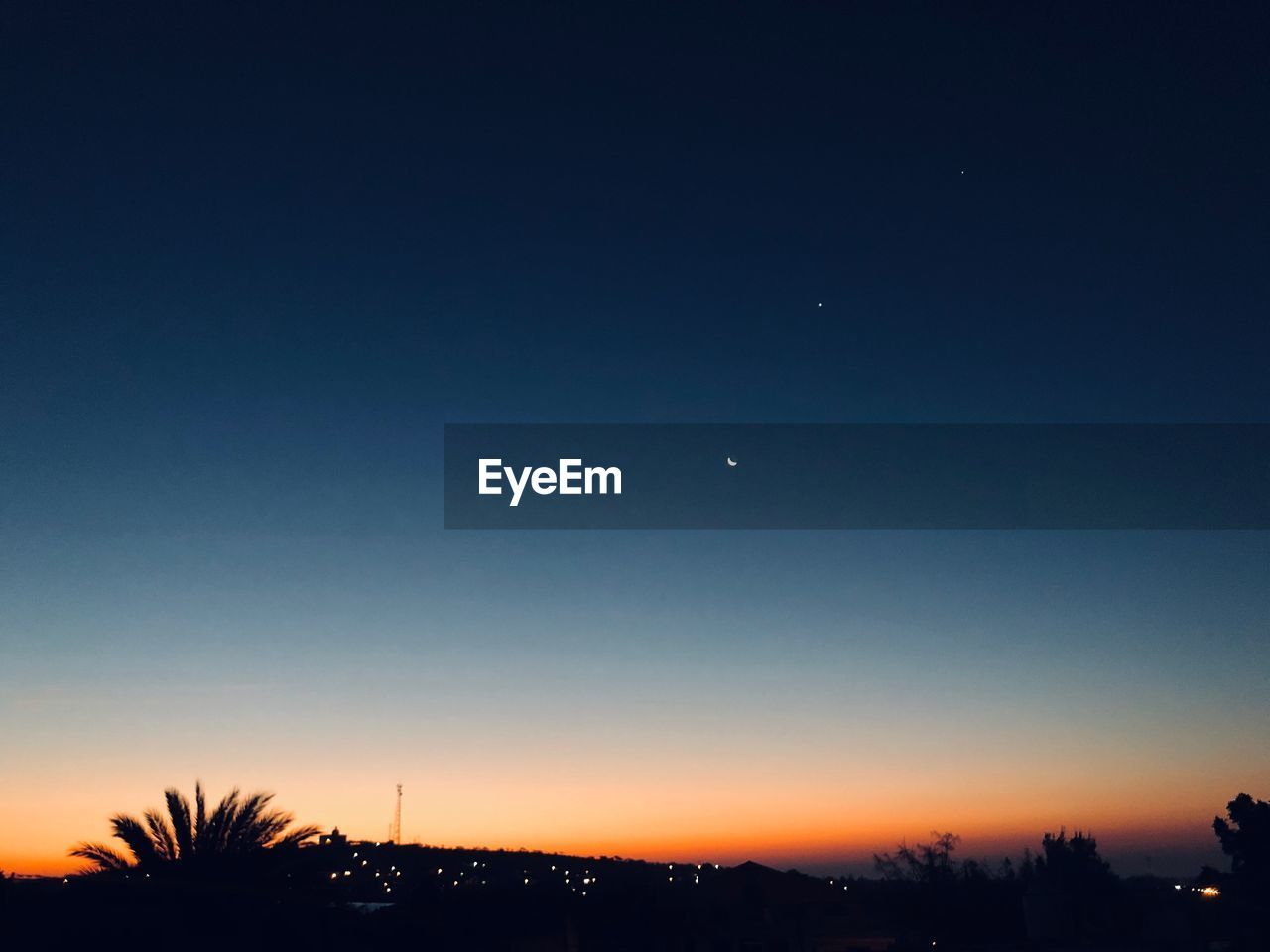 sky, moon, tree, crescent, plant, scenics - nature, silhouette, tranquil scene, night, tranquility, beauty in nature, nature, copy space, sunset, no people, clear sky, dusk, half moon, outdoors, space, astronomy, planetary moon