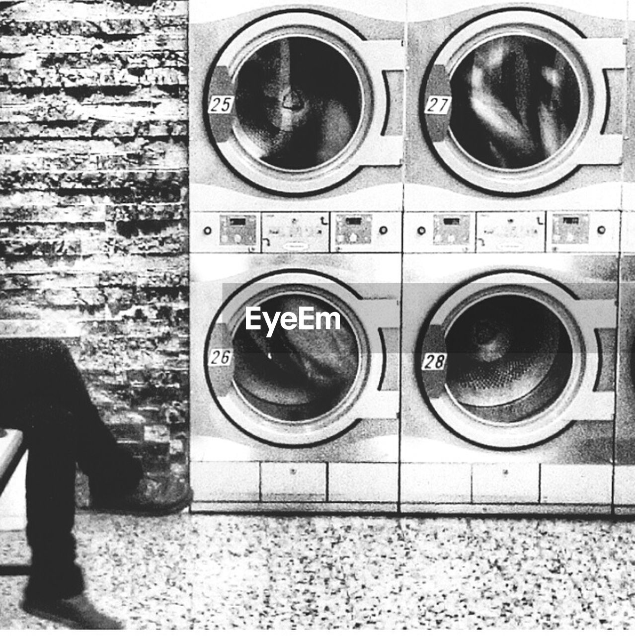 washing machine, laundry, dryer, laundromat, indoors, table, domestic life, hygiene, machinery, drying, close-up, no people, day