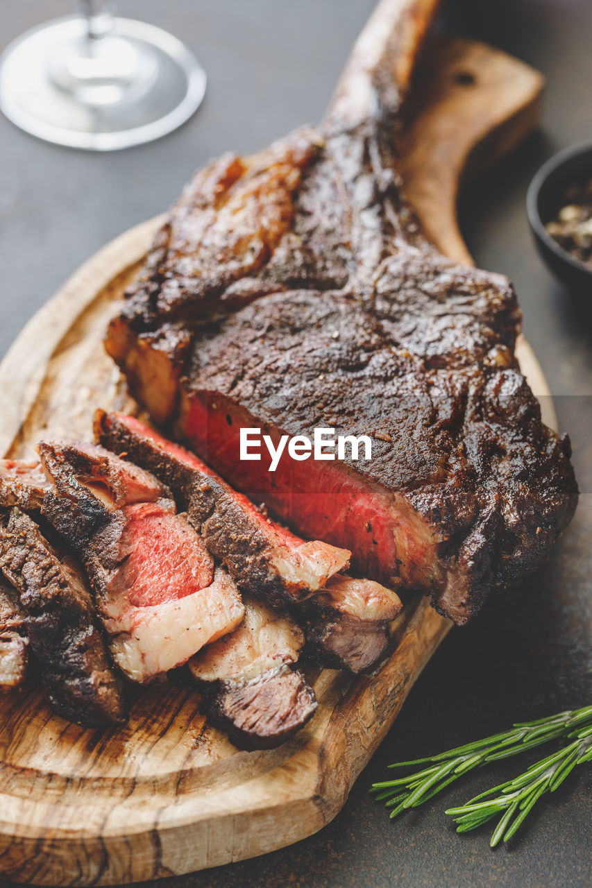 food and drink, food, freshness, ready-to-eat, plate, still life, indoors, serving size, meat, healthy eating, table, indulgence, wellbeing, close-up, no people, high angle view, red meat, meal, slice, bread, temptation, beef, snack, dinner