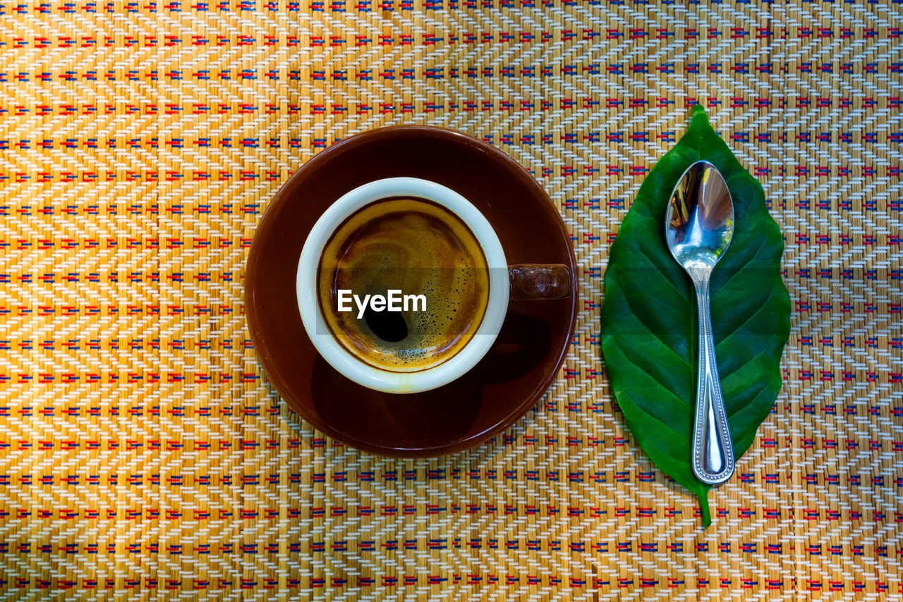 drink, cup, food and drink, refreshment, mug, coffee, coffee - drink, directly above, indoors, table, coffee cup, still life, crockery, freshness, tea, high angle view, hot drink, no people, tablecloth, kitchen utensil, black tea, tea cup