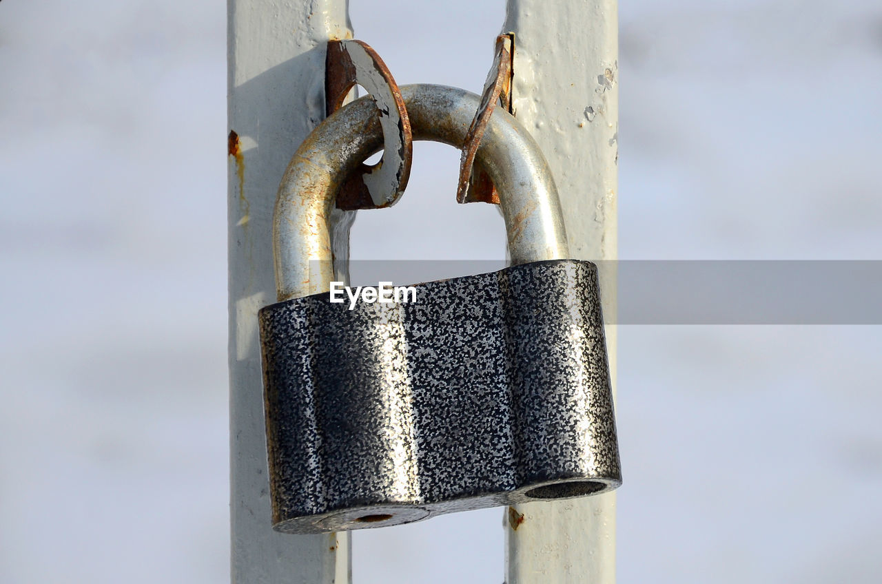 metal, safety, security, focus on foreground, close-up, protection, lock, padlock, no people, day, rusty, outdoors, silver colored, chain, door, entrance, strength, connection, attached, equipment, latch