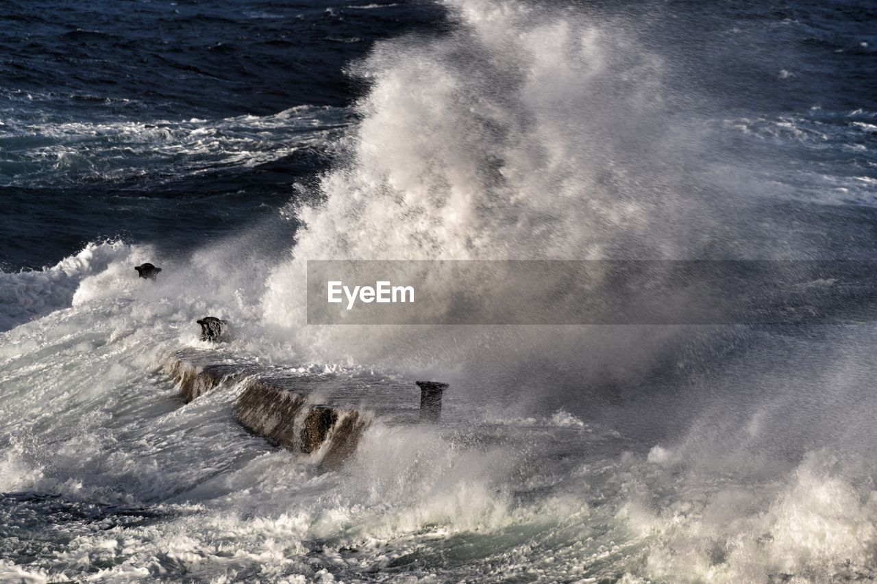 motion, water, splashing, sea, wave, nature, spraying, power in nature, force, day, outdoors, beauty in nature, no people, crash, sky
