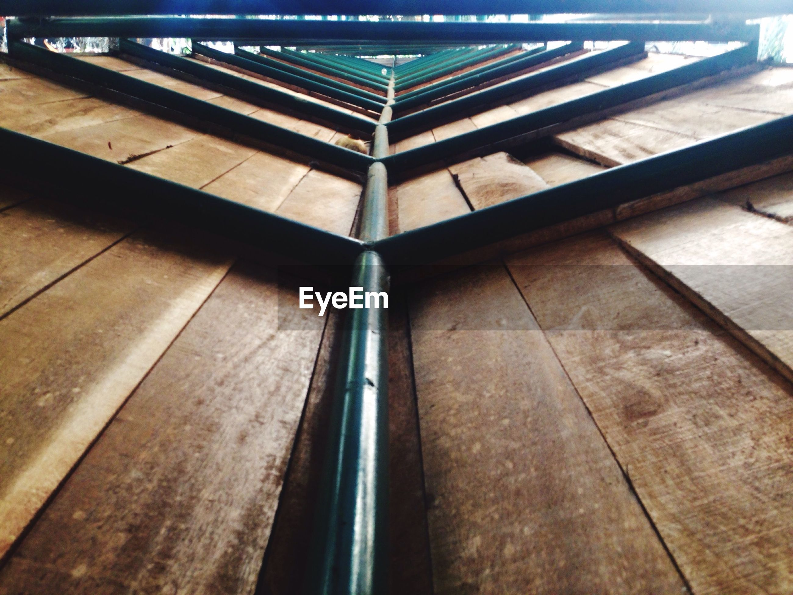 indoors, wood - material, ceiling, pattern, built structure, architecture, wooden, wood, full frame, low angle view, design, flooring, geometric shape, no people, backgrounds, high angle view, day, textured, directly below, sunlight