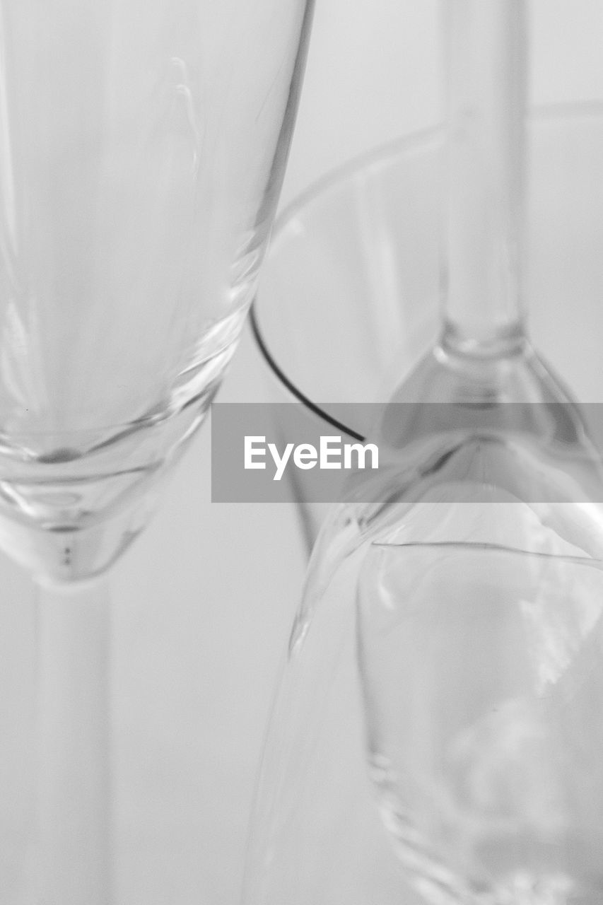 close-up, no people, bottle, drinking glass, indoors, liquid, freshness, day