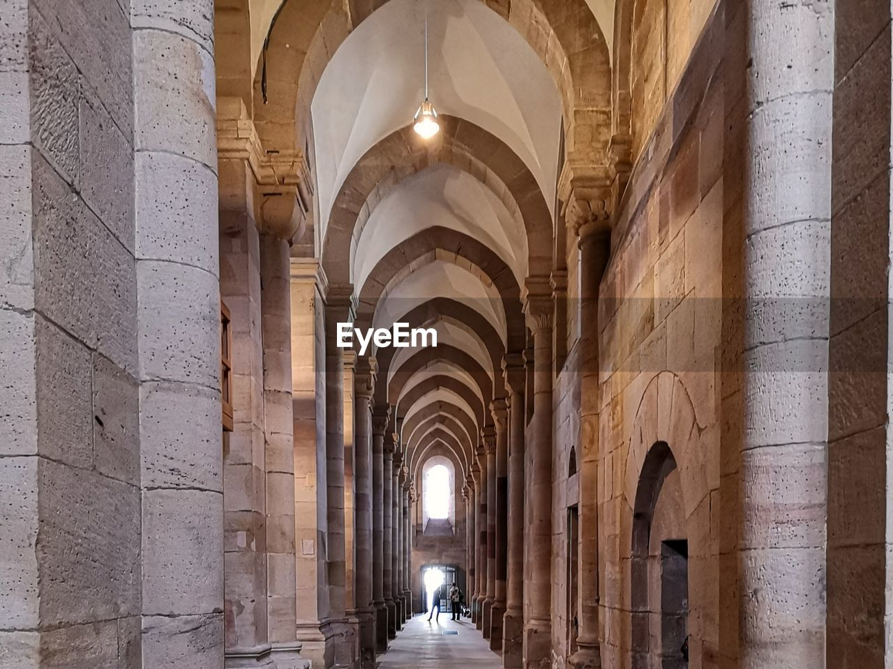 architecture, arch, architectural column, built structure, building, arcade, the past, history, in a row, no people, corridor, indoors, the way forward, diminishing perspective, direction, day, colonnade, lighting equipment, ceiling, abbey, arched