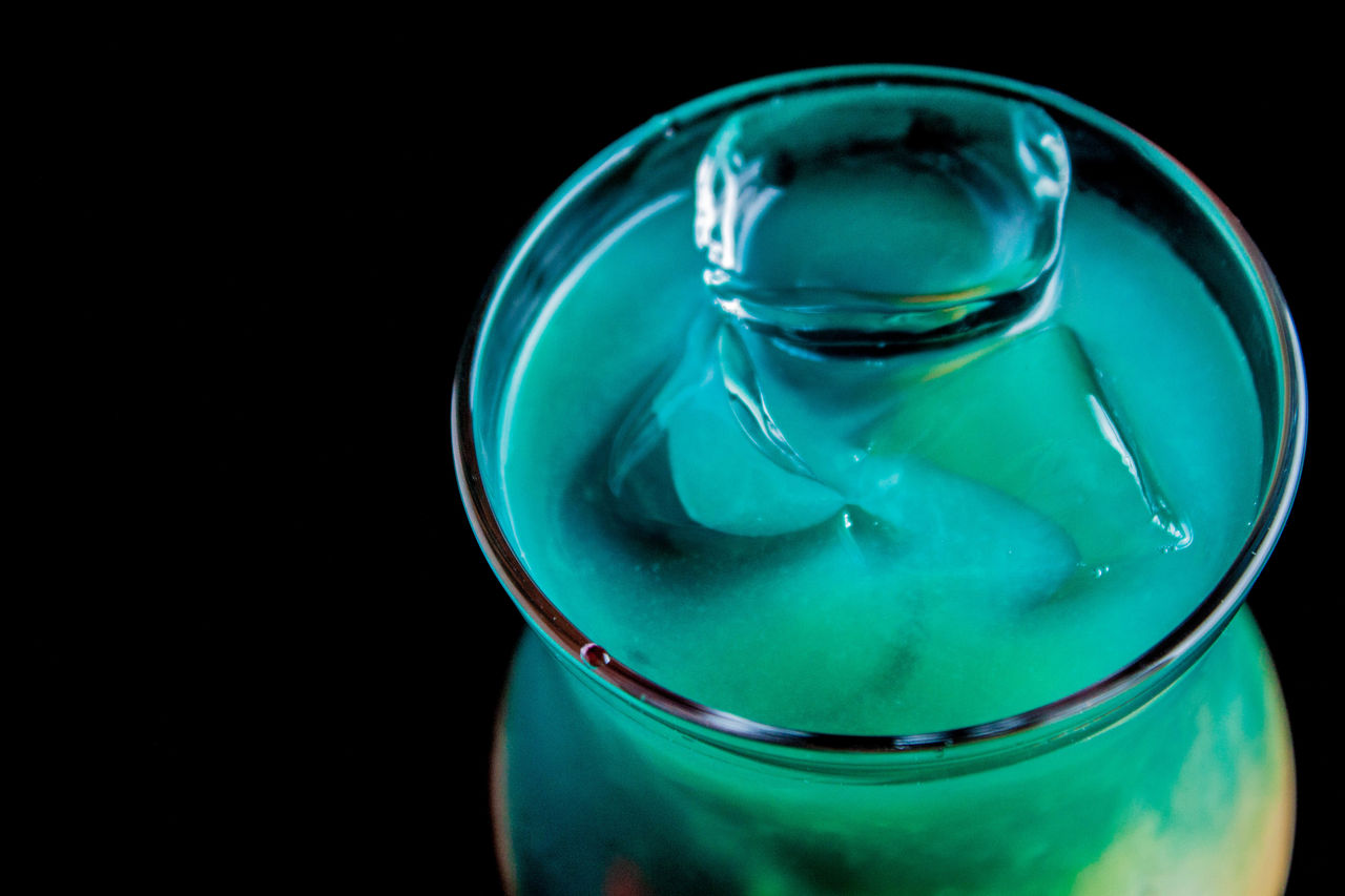 close-up, drink, drinking glass, no people, high angle view, green color, studio shot, black background, freshness, day