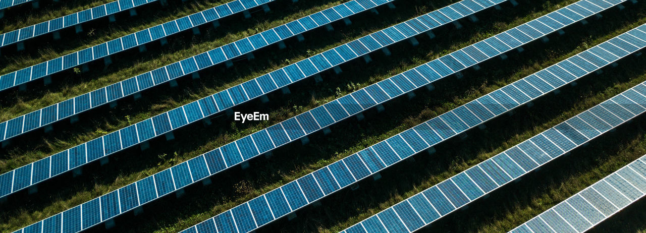 Full Frame Shot Of Solar Panels On Field