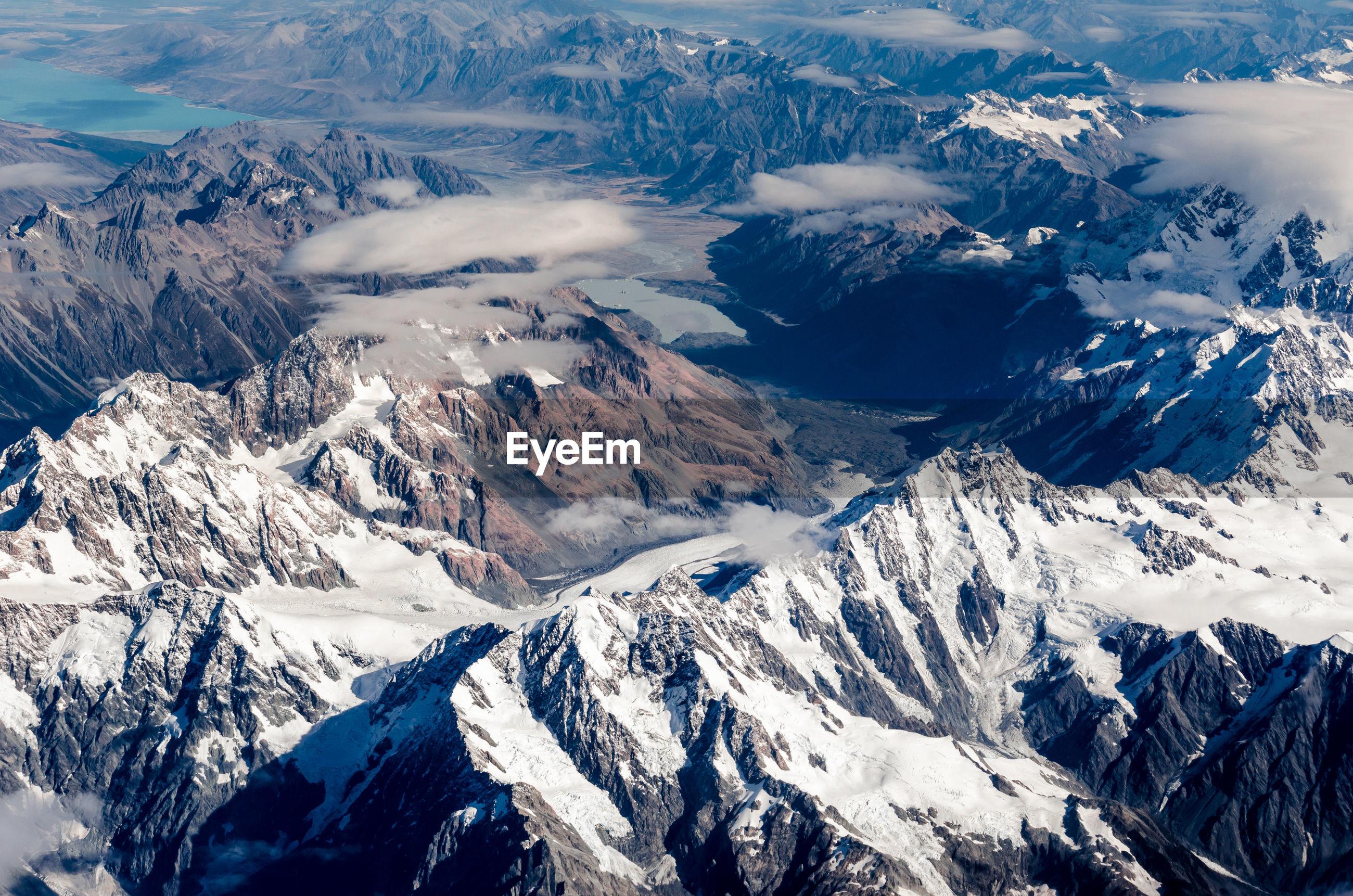 Southern alps, tasman glacier is the largest glacier in new zealand